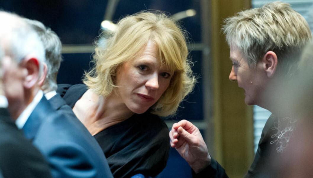 PROTESTERER MOT AVISENE: Anniken Hüitfeldt sier til Se og Hør at hun har sett seg lei på at avisene gir terningkast til politikeres antrekk. Foto: Stella