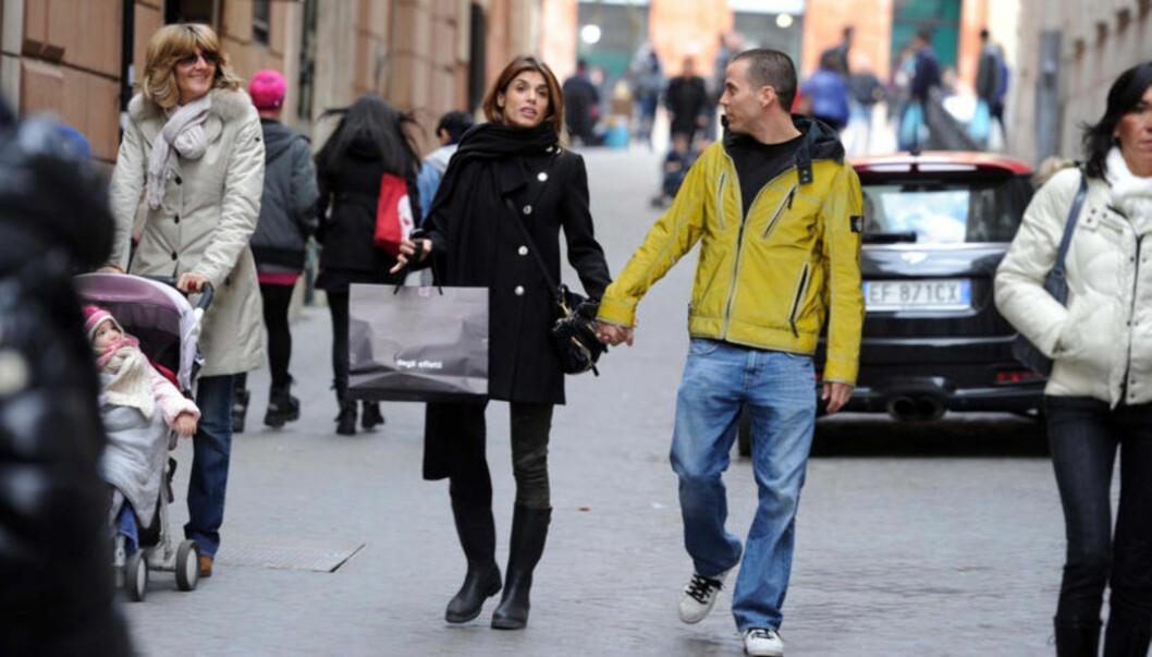 FORELSKET: Steve-O og Elisabetta Canalis dyrker for tiden kjærligheten i Italias hovedstad Roma. Foto: STELLA PICTURES