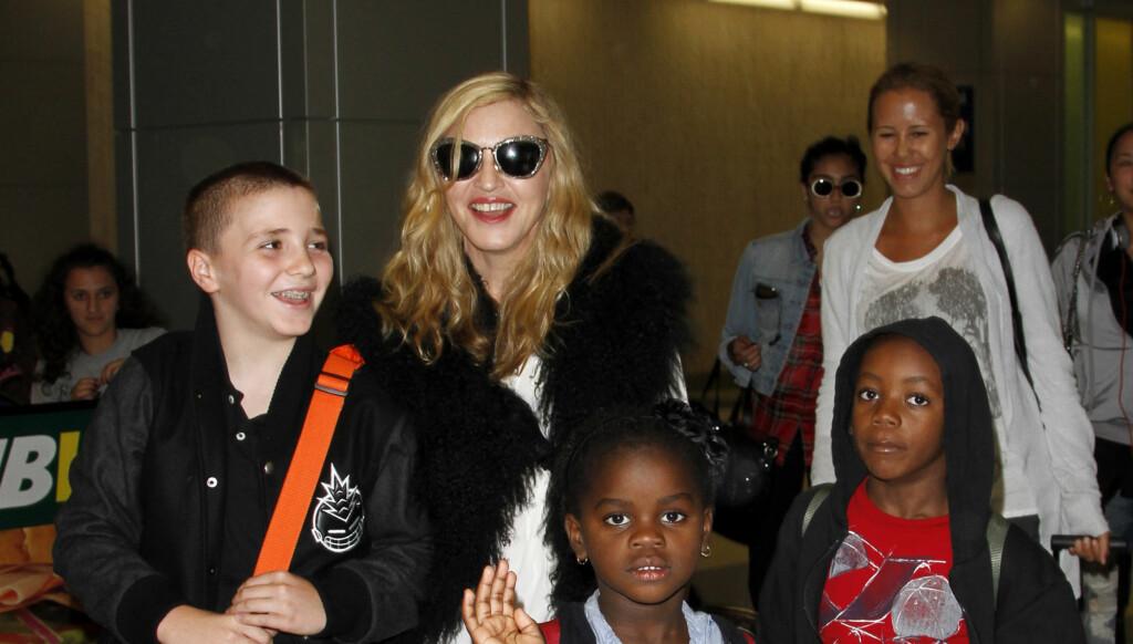 ALENEMOR; Madonna har barna Lourdes (15) (ikke på bildet), Rocco (12), Mercy (5) og David (6). Foto: All Over Press
