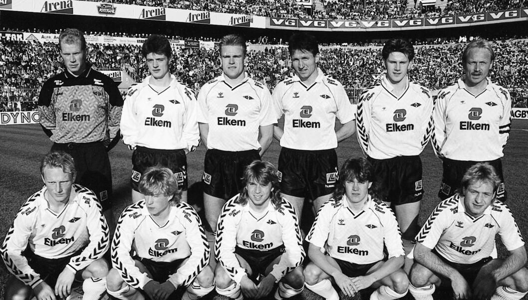 <strong>NORGESMESTER:</strong> Knut Torbjørn Eggen (nr 2 fra høyre på bakerste rad, ble norgesmester med Rosenborg i 1990 da trønderne slo Fyllingen hele 5-1. Foran f.v. Øivind Husby, Ørjan Berg, Jahn Ivar Jakobsen, Kåre Ingebretsen, og Gøran Sørloth. Bak f.v. Ol Foto: SCANPIX