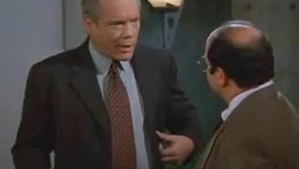 SVEVER MELLOM LIV OG DØD: Seinfeld-stjernen Daniel von Bargen - her i samtale med Jason Alexander som spilte George Costanza - svever for øyeblikket mellom liv og død etter å ha skutt seg selv i hodet. Foto: © Fox