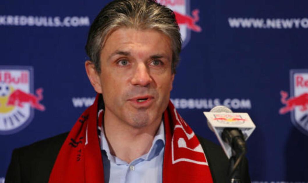 <strong>SPORTSDIREKTØR:</strong> Red Bulls-drektør Erik Solér tror laget vinner trofeer med Henry i stallen. Foto: AFP
