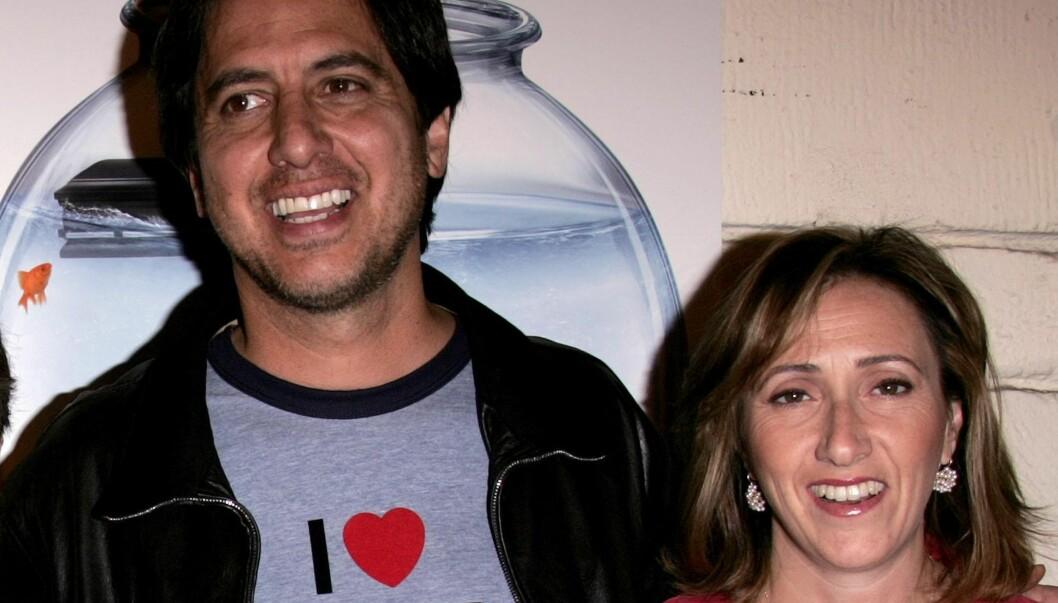 SKJULTE SYKDOMMEN: Ray Romanos kone Anna (t.h) fortalte ikke at hun hadde hatt kreft før hun ble frisk ett år etter at sykdommen ble oppdaget.   Foto: Stella Pictures