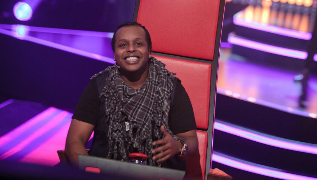 <strong>FRITTALENDE DOMMER:</strong> Yosef Wolde-Mariam fra gruppen Madcon sparer ikke på kruttet i sine tilbakemeldinger til deltakerne i «The Voice». Foto: TV 2