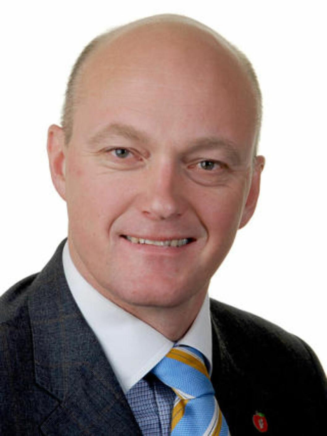 <strong>KRITISERER:</strong> Stortingsrepresentant og medlem av Justiskomiteen, Hans Frode Asmyhr (Frp), er ikke imponert over regjeringens innsats for bortførte barn. Foto: Fremskrittspartiet