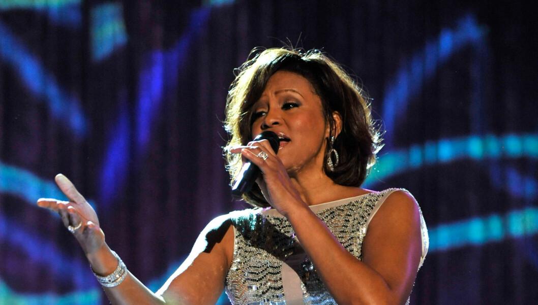 GÅTT BORT: Popstjernen Whitney Houston skal ha gått bort lørdag ifølge flere utenlandske medier. Foto: All Over Press