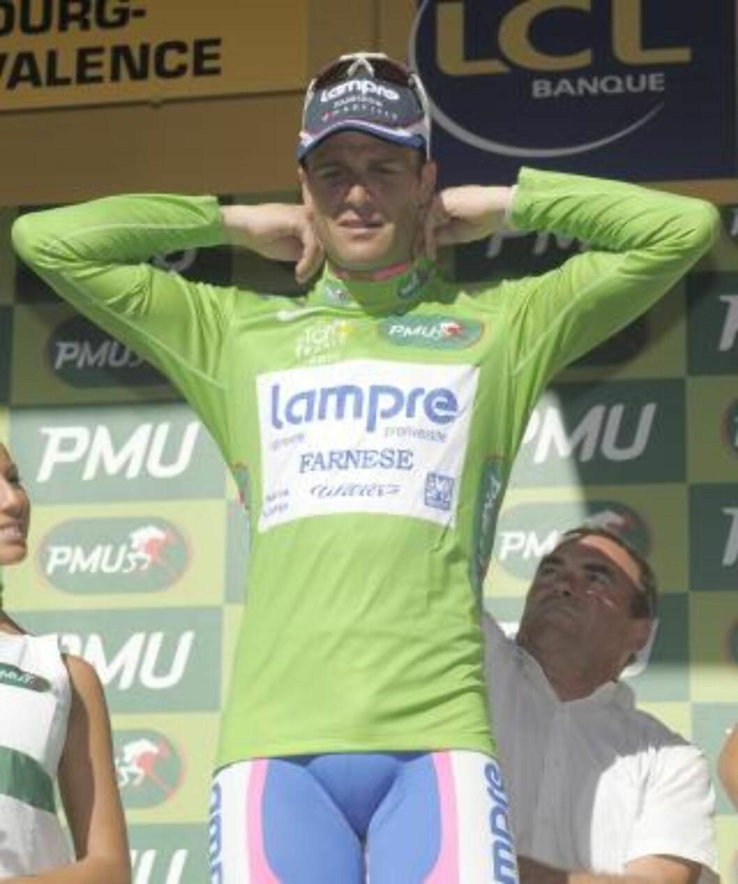 <strong>MISTET TRØYA:</strong> Alessandro Petacchi er seks poeng bak Hushovd etter dagens etappe. Foto: EPA/NICOLAS BOUVY