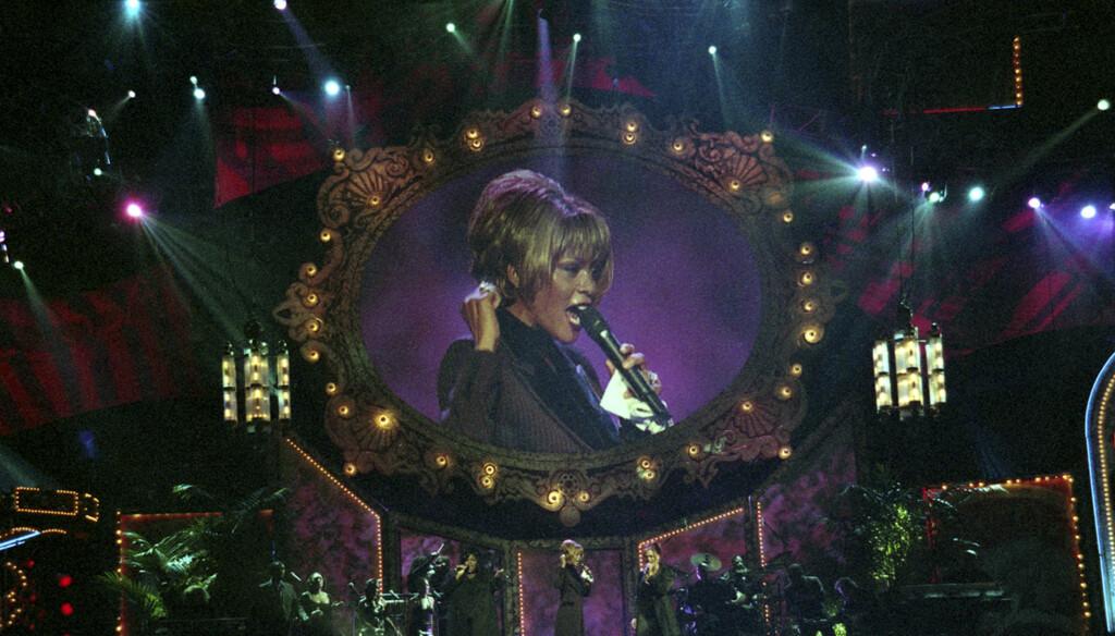 FULLT AV SPEKULASJONER:  Whitney Houstons død har ført til en rykteflom. Nå bekrefter politiet at det ikke skal ligge noe kriminelt bak stjernens død.  Foto: Reuters