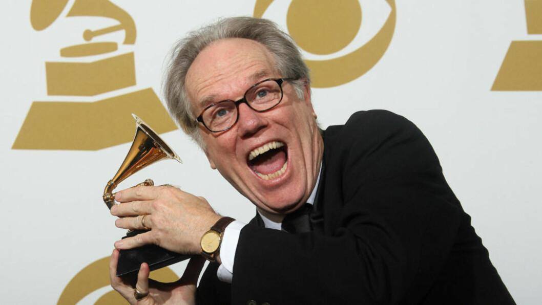<strong>GLAD PRISVINNER:</strong> Loudon Wainwright III fikk prisen for beste tradisjonelle folk-album for «The Charlie Poole Project: High, Wide and Handsome» under årets Grammyutdeling. Det var utrolig nok hans første Grammy. FOTO: AFP/VALERIE MACON/SCANPIX