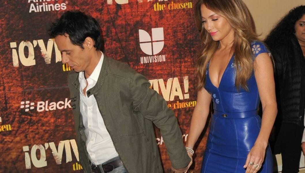 HÅND I HÅND: Marc Anthony og Jennifer Lopez ankom hånd i hånd da de to nylig promoterte deres nye felles reality-TV-show «Q'Viva!» i California. Foto: All Over Press