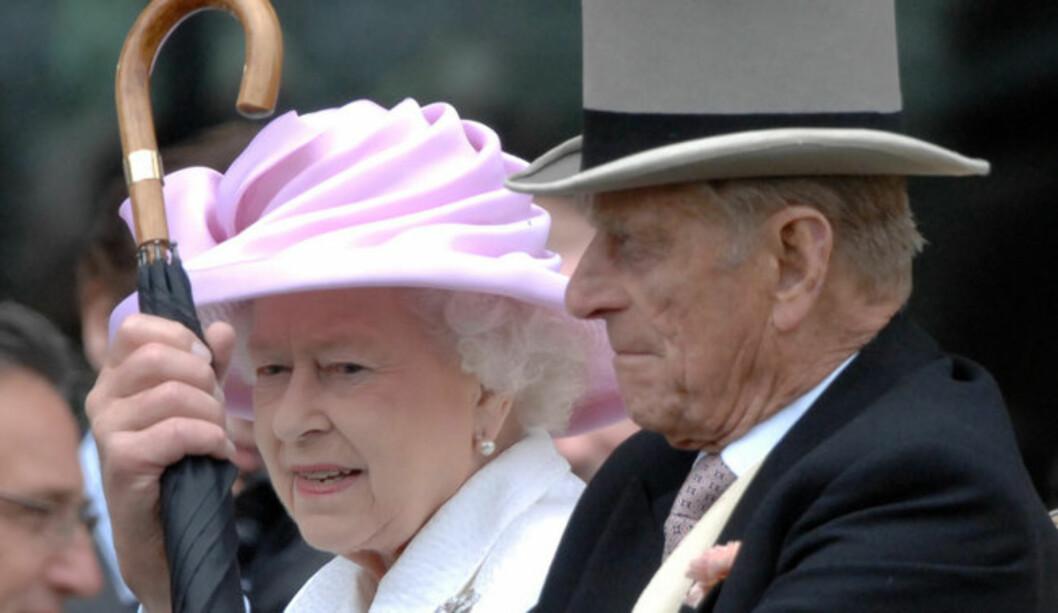 <strong>SYK MANN:</strong> Dronning Elizabeth må trolig feire alene etter at mannem , prins Philip har blitt syk med hjerteproblemer. Foto: Stella Pictures