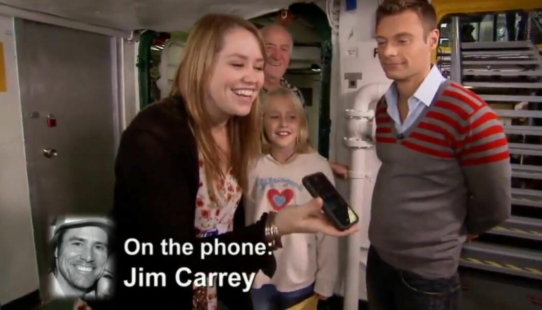 STOLT PAPPA: Jim Carrey klarte ikke å skjule sin stolthet da datteren Jane via telefon ga ham beskjed om Idol-suksessen foran TV-kameraene. Foto: FOX