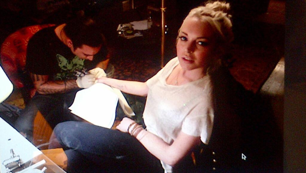 FIKK NY TATOVERING: Lindsay Lohan. Foto: All Over Press