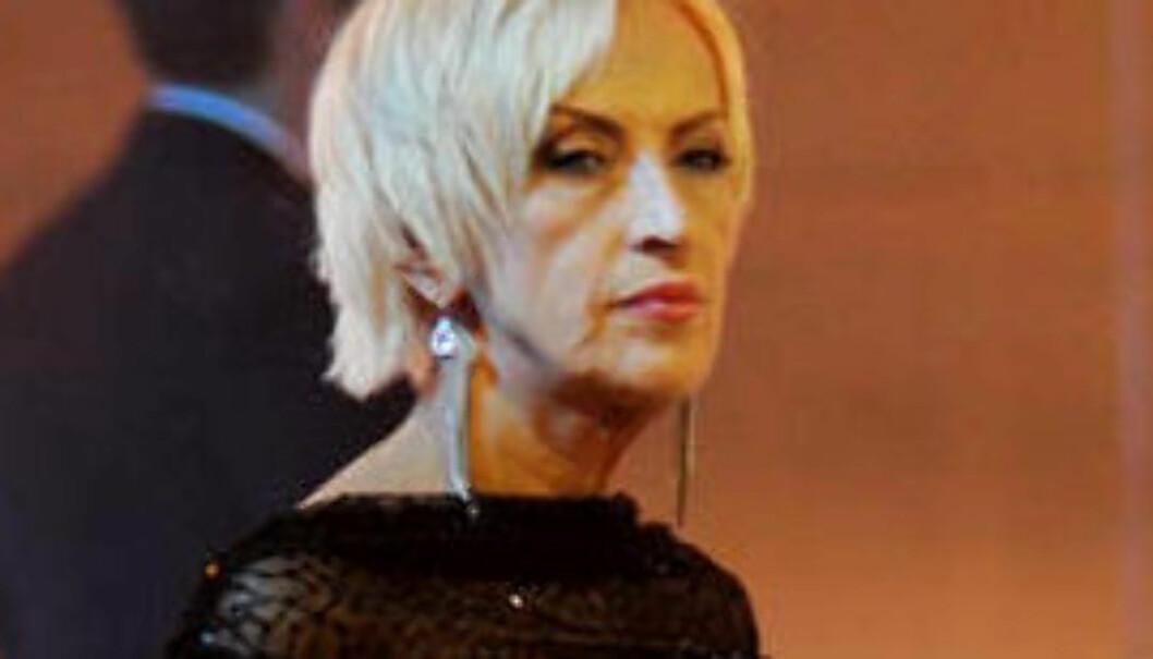 FIKK SLIBRIGE BREV: Karen-Marie Ellefsen sier til Dagbladet at hun på 2000-tallet fikk flere slibrige postkort fra en mannlig seer.
