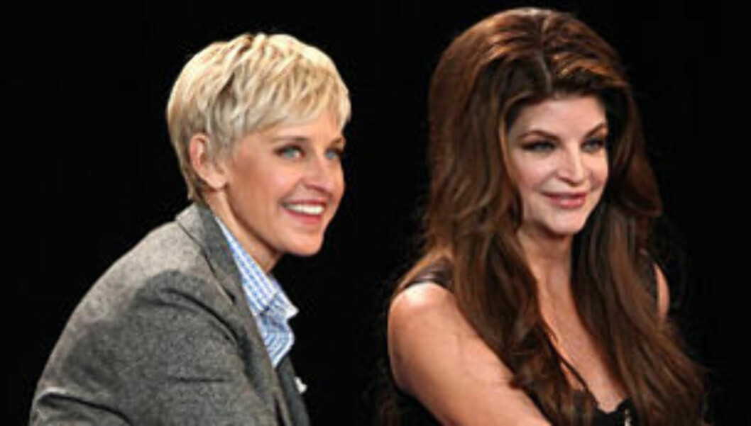 FIKK TATOVERING: Ellen DeGeneres ga skuespilleren Kirstie Alley en tatovering i gave til 61-årsdagen.  Foto: The Ellen DeGeneres Show/Warner Bros