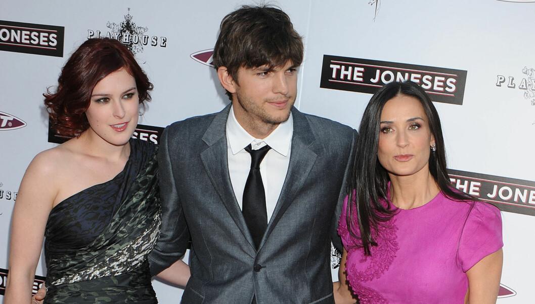 DEN GANG DA: Demi Moore så langt friskere ut da hun var på filmpremiere med eksmannen Ashton Kutcher og datteren Rumer Willis i 2010. Foto: Stella Pictures