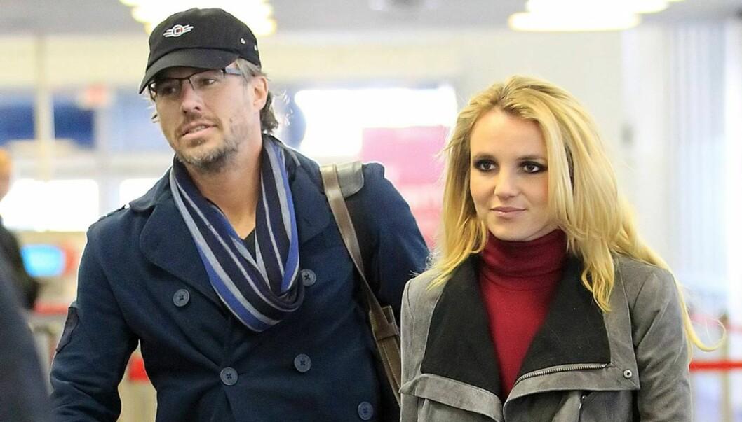 BRUD FOR TREDJE GANG: Britney Spears planlegger et lite, intimt bryllup sammen med kjæresten Jason Trawick.  Foto: All Over Press