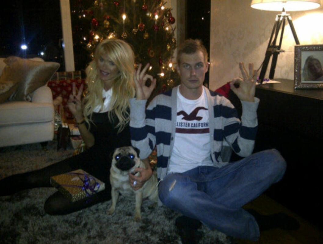 <strong>FEIRET MED BROREN:</strong> Victorias lillebror Daniel var med på julefeiringen hos Playboy-modellen. Foto: Twitter