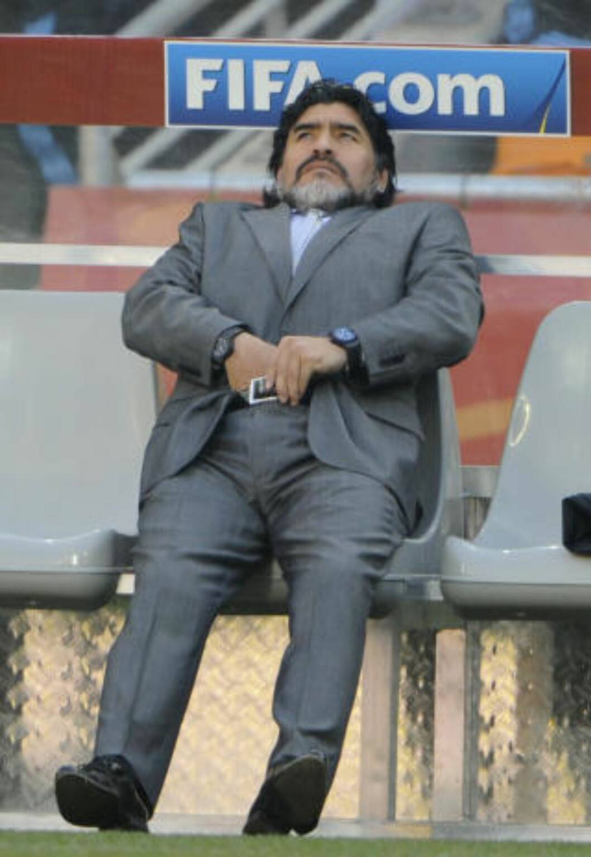 <strong>SKUFFELSE:</strong> Diego Maradona måtte se laget sitt bli knust av Tyskland i VM. Foto: AFP/GIANLUIGI GUERCIA