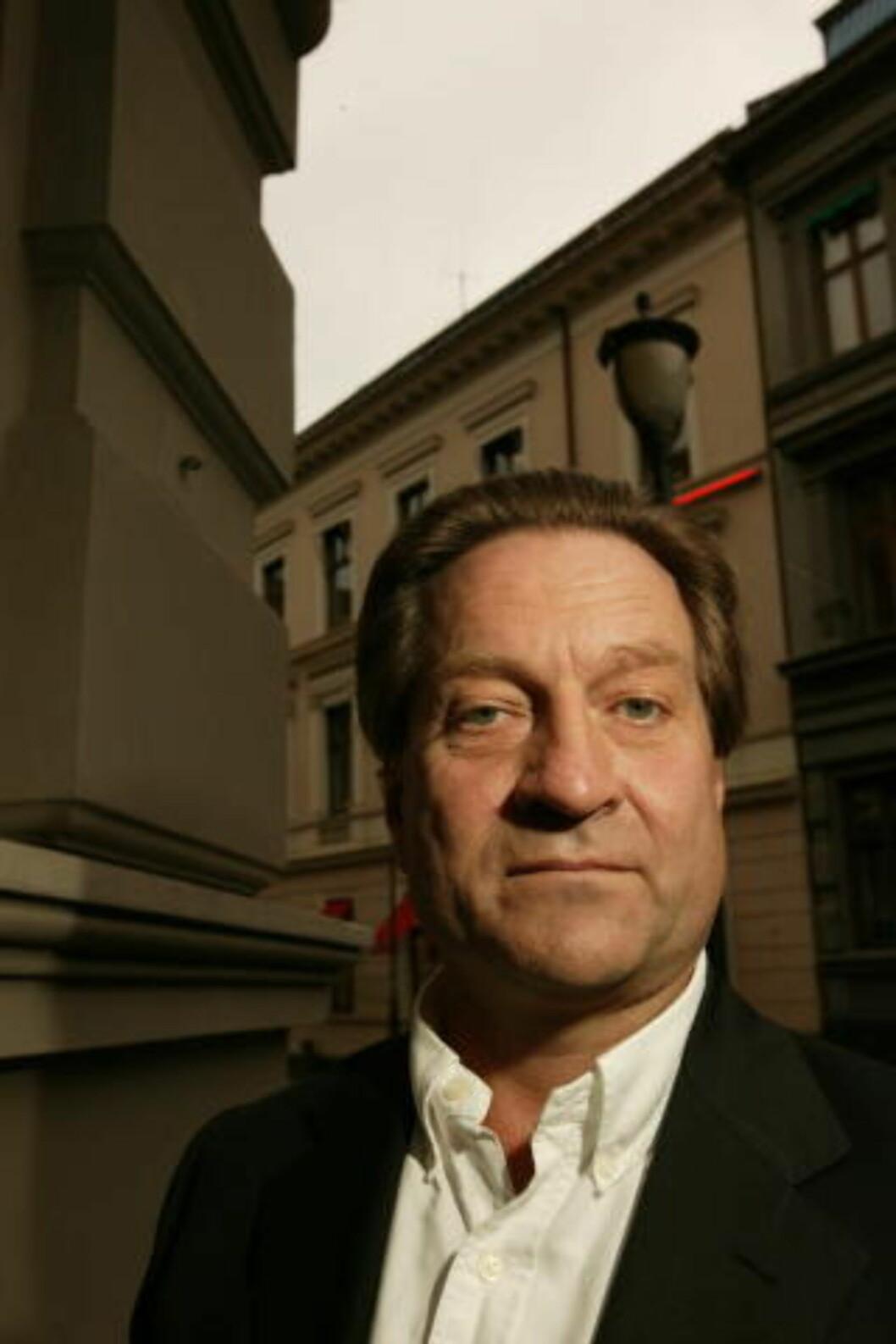 <strong>- PROBLEMATISK:</strong> Tom Kristensen er kritisk til å formidle tanker. Foto: Henning Lillegård.