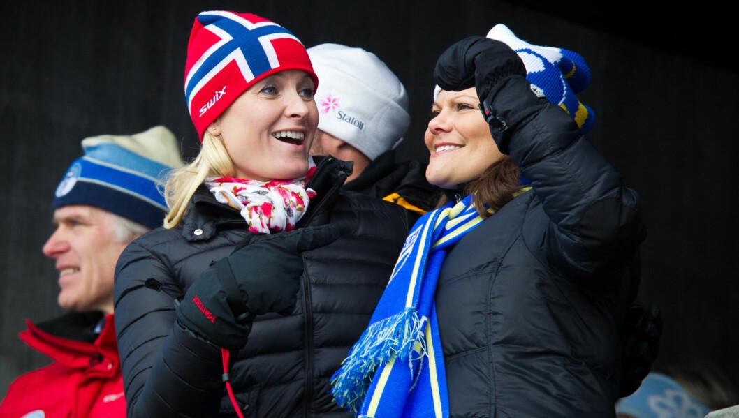 VENNINNER: Mette-Marit og Victoria har blitt svært gode venninner gjennom årenes løp. Foto: Stella Pictures