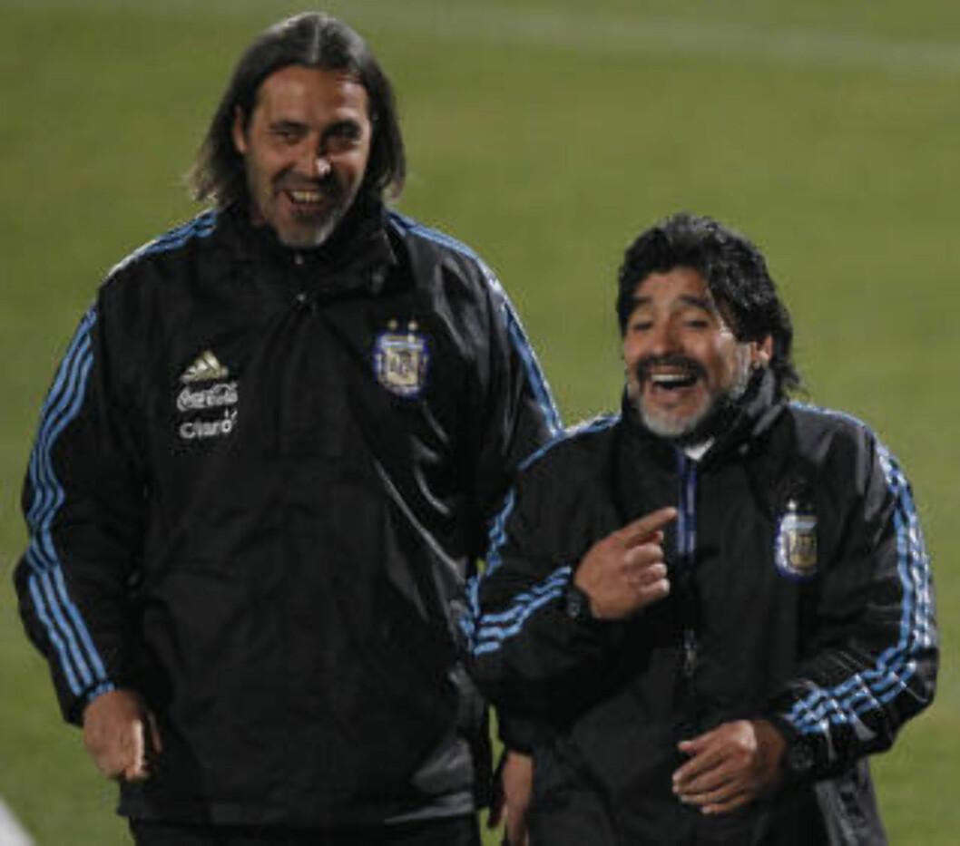 <strong>MIDLERTIDIG:</strong> Sergio Batista (t.v.) tar over det argentinske landslaget på midlertidig basis - i første omgang i treningskampen mot Irland 11. august.Foto: SCANPIX