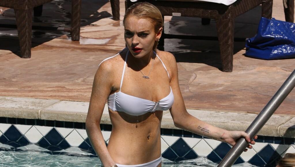 KASTER KLÆRNE: Skandalestjernen kaster klærne i desemberutgaven av Playboy. Foto: All Over Press