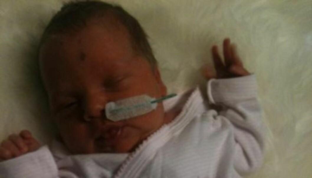 KOMPLIKASJONER: Komplikasjoner i siste del av svangerskapet førte til at Ellen Arnstads datter Gabrielle Margrete ble født seks uker før planen. Foto: Privat