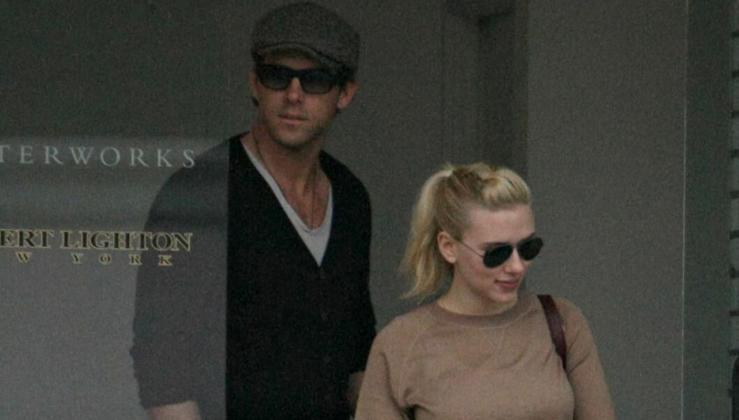 VALGTE RETT: Selv om ekteskapet tok slutt etter to år, angrer ikke Scarlett Johansson på at hun giftet seg med Ryan Reynolds.  Foto: Stella Picures