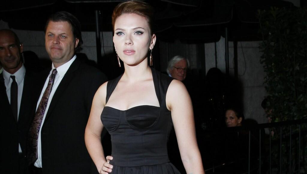 SPORTY: Scarlett Johansson drar på treningsstudio når hun vil føle seg bedre, og bruker treningsøktene som terapi.  Foto: All Over Press
