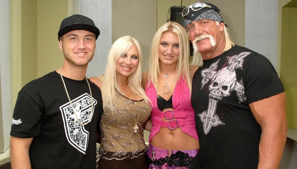 "REALITYSTJERNER: Hulk Hogan, konen Linda og barna Nick og Brooke ble populære TV-navn med realityserien ""Hogan Knows Best"".  Foto: All Over Press"
