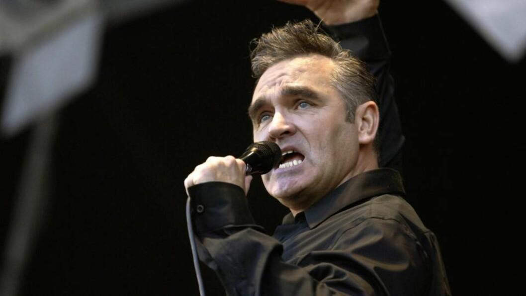 <strong>SINT:</strong>  Artisten Morrissey, best kjent fra bandet The Smiths, er sint over de britiske vaktenes bruk av bjørnepels. Foto: Scanpix