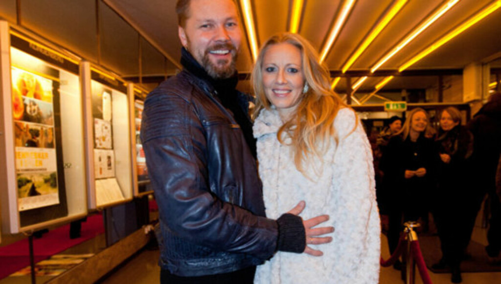 FORELDRE: Stig Henrik Hoff og kona Sølje Bergmann har tre små barn sammen. Fra før har han også døtrene My (22) og Aurora (20). Foto: Stella Pictures