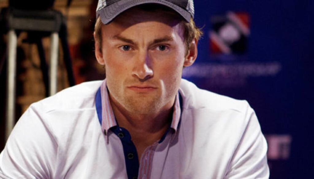 KASTER KORTA: Northug dropper den årlige poker- og sydenturen for å ha fullt fokus inn mot OL. Foto: Scanpix