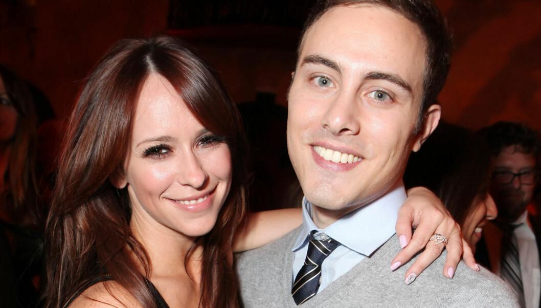 IKKE LENGER SAMMEN: Jennifer Love Hewitt og Jarod Einsohn har datet hverandre siden august, men nå har lykken tatt slutt, ifølge bladet InTouch. Foto: All Over Press