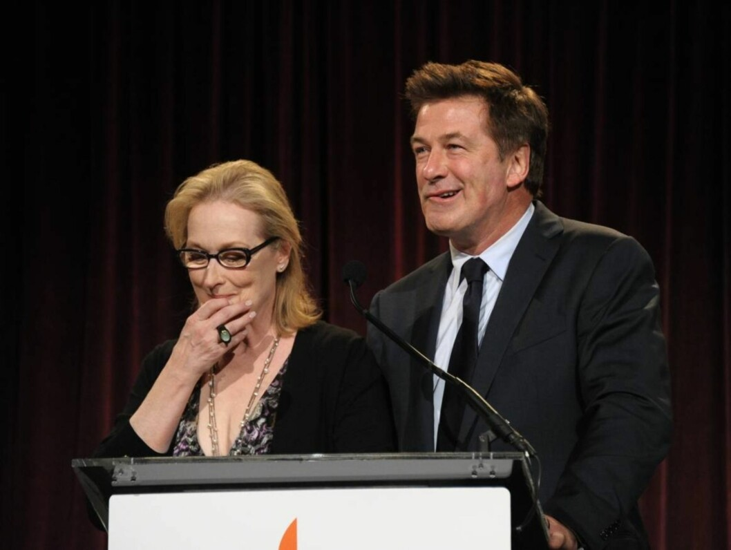 <strong>UNDERHOLDT:</strong> Meryl Streep og Alec Baldwin holdt tale. Foto: All Over Press