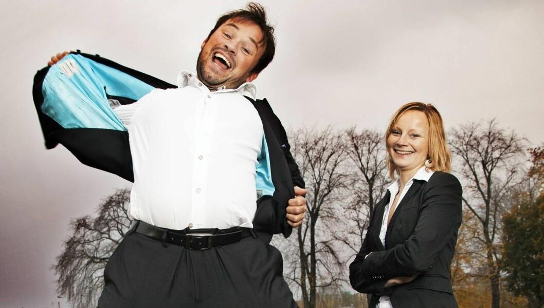 LYKKELIGE: Mikkel Gaup og advokaten Trine Næssvik har vært kjærester i et år. De møttes første gang på Madonna-konsert i 2009. Foto: Henning Jensen / Se og Hør