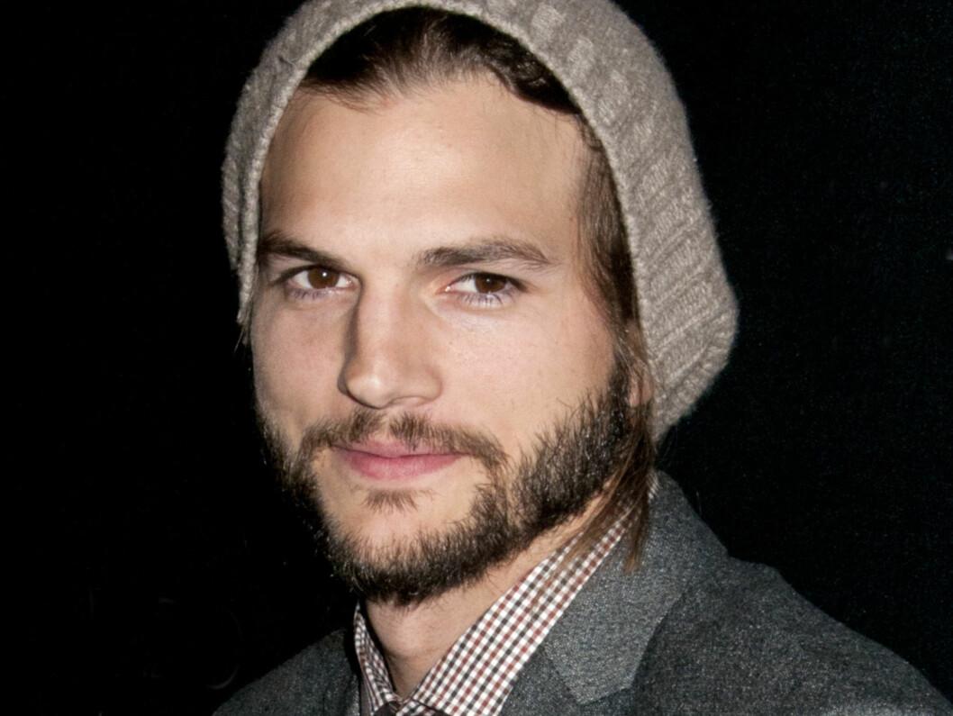 FÅR PEPPER: Skuespilleren Ashton Kutcher ble hetset på nettet etter å ha uttrykt sympati i en sensitiv voldtektssak. Nå tar han konsekvensene. Foto: All Over Press