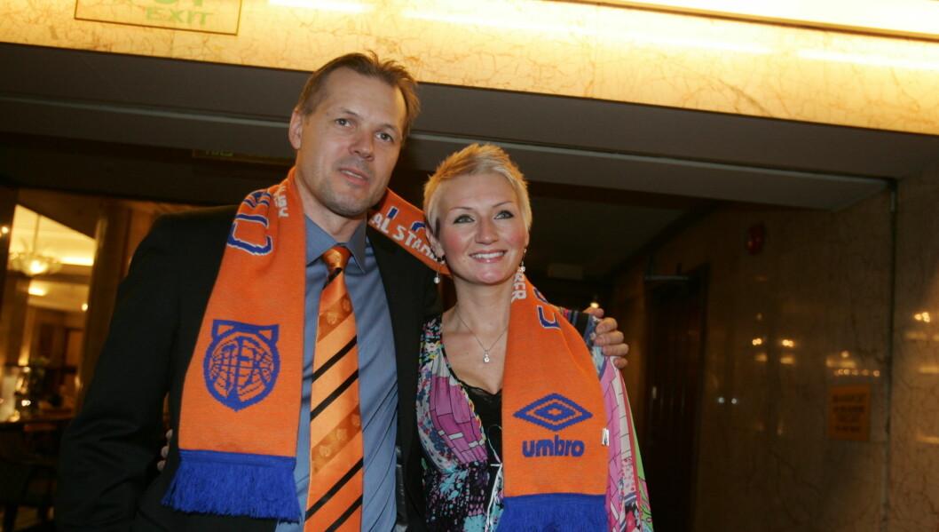 VINNER: Her er Kjetil Rekdal og kona Ane Guro Skaare-Rekdal på vei til bankett etter cupgullet i 2009.  Foto: Stella Pictures