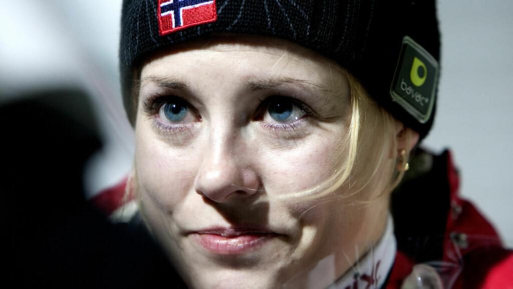 ISOLERTE SEG: De siste årene har Anette Sagen vært midt i mediestormens øye som selve symbolet på kvinnelige skihopperes kamp for å få hoppe. Det slet henne til slutt ut både fysisk og psykisk. Foto: Scanpix
