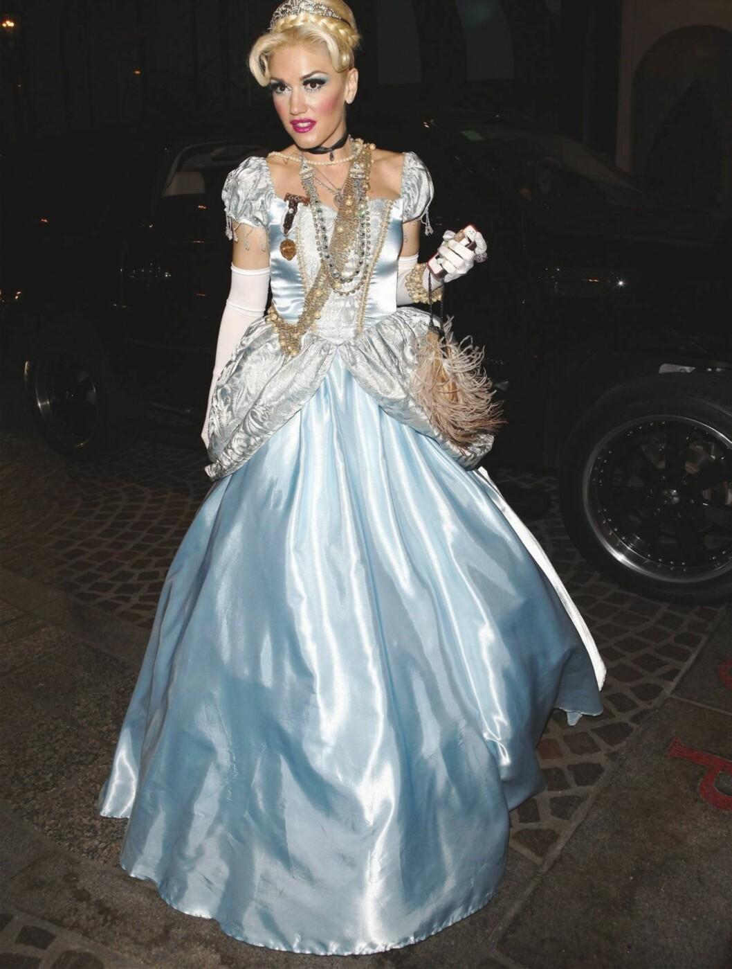 ASKEPOTT: Gwen Stefani som Askepott på Kate Hudsons fest. Foto: All Over Press