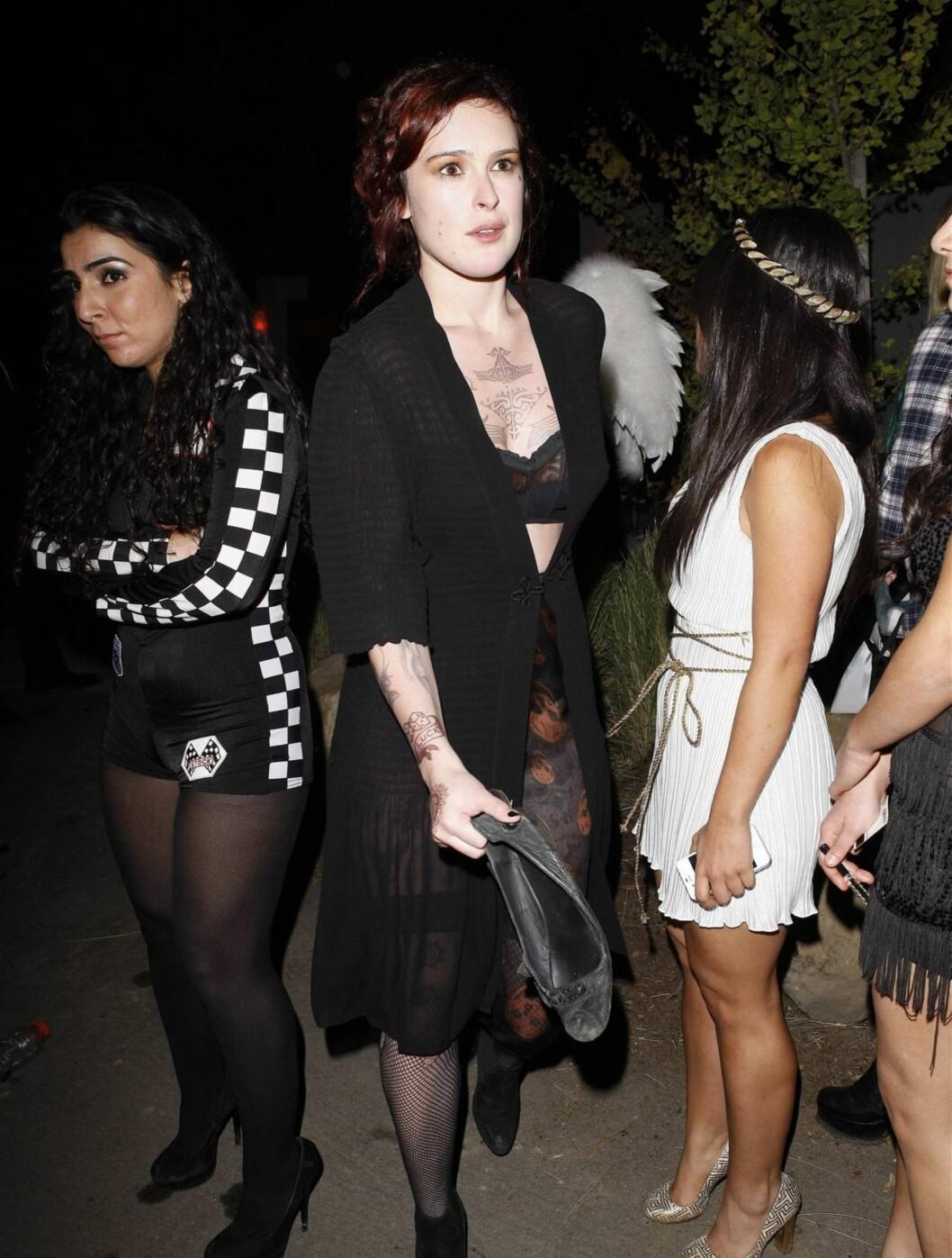 SKUMMEL: Rumer Willis, datteren til Demi Moore og Bruce Willis, kom som en skummel jente på en privat halloweenfest. Foto: All Over Press