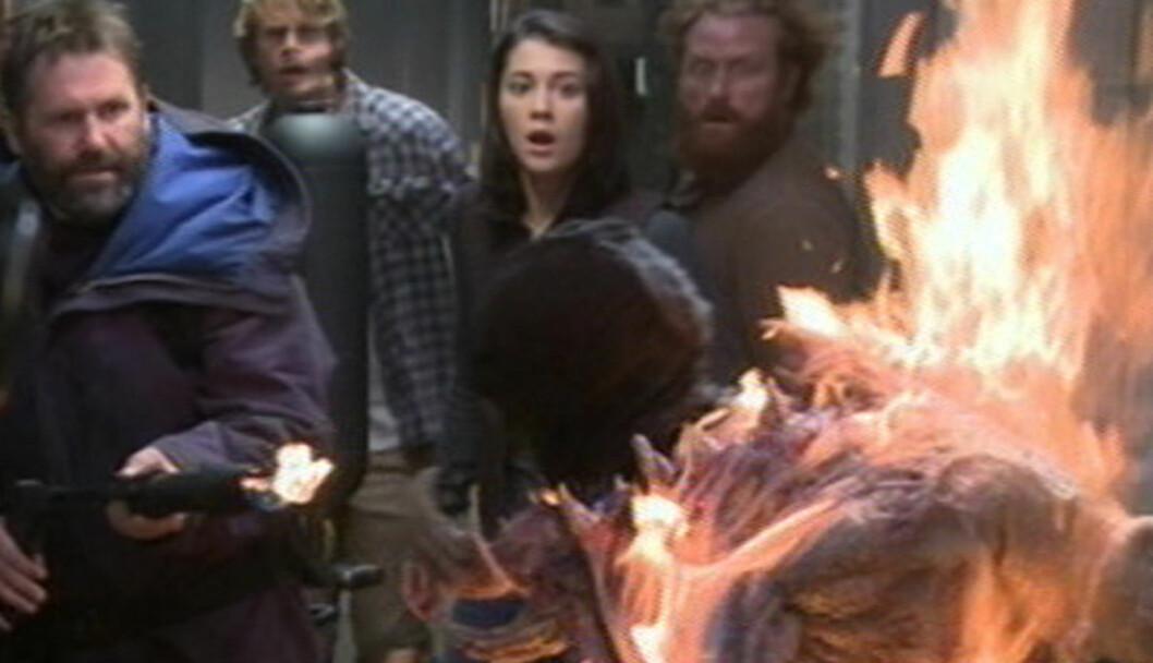 FYRER LØS: Det ble raskt hett i studio, da Jørgen Langhelle fyrte løs med flammekaster under innspillingen av Hollywood-filmen «The Thing». Foto: UPI