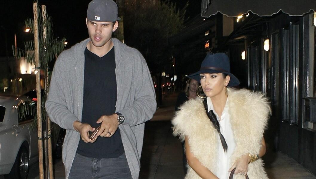 SKILLES: Kim Kardashian og ektemannen Kris Humphries skiller seg etter kun 72 dager som mann og kone. Nå spekuleres det i om det hele kun var et PR-stunt.  Foto: All Over Press