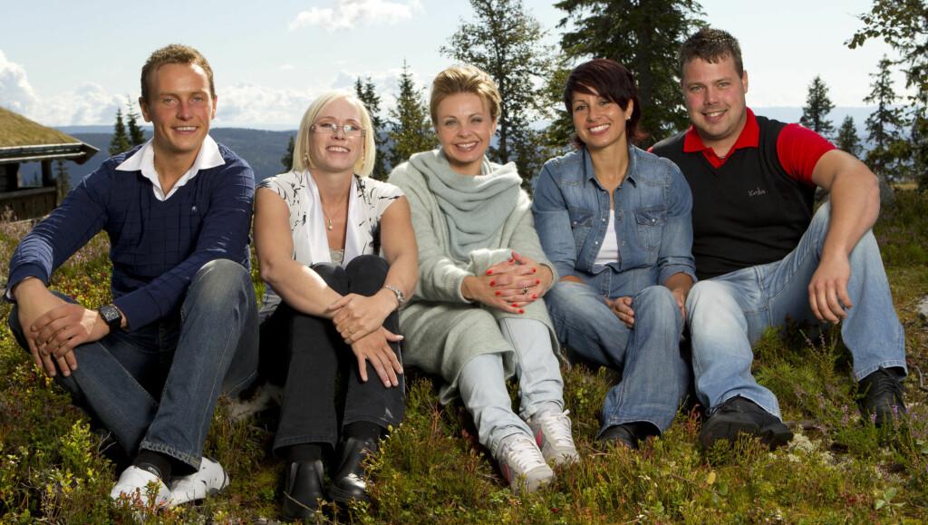 KLART FOR BONDEDRAMA: Det blir dramatisk for de fire «Jakten»-bøndene Svein, Bente, Linda og Roar utover denne høsten. Hvem det blir mest dramatisk for, gjenstår å se. Foto: TV 2