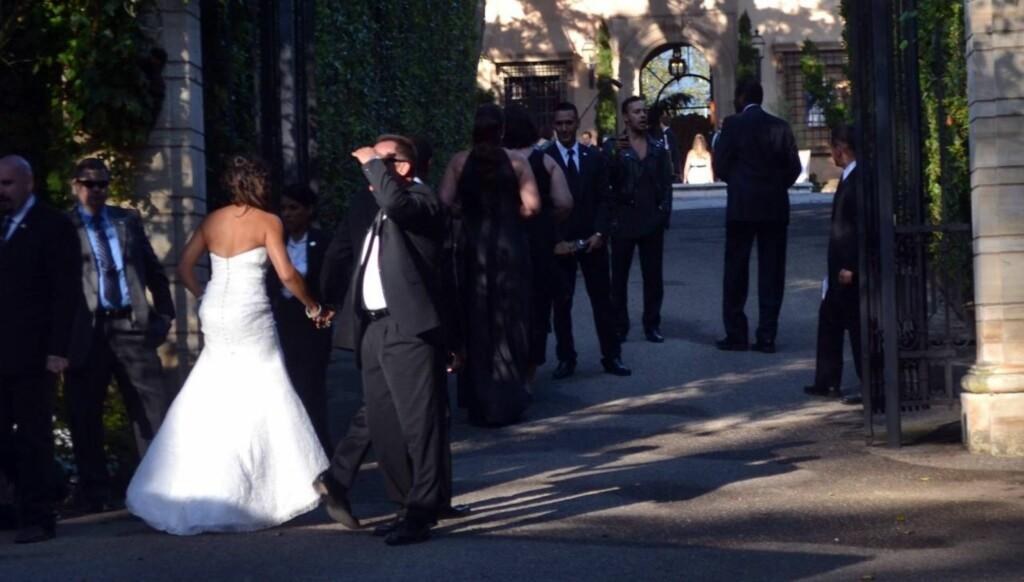 DRØMMEBRYLLUP: For åtte uker siden giftet de seg med brask og barm i Montecito i California. Foto: All Over Press