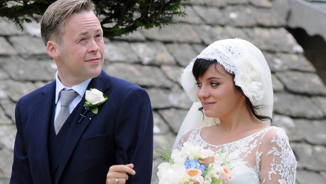 VENTER BARN: Lily Allen giftet seg med Sam Cooper i sommer. Nå venter de sitt første barn sammen.