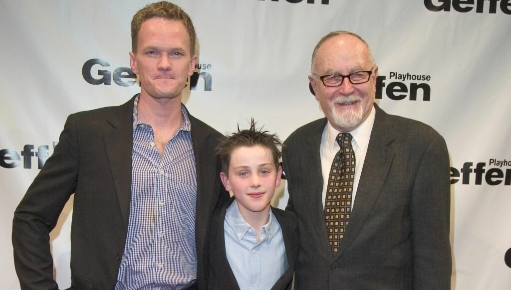 TEATER: Neil Patrick Harris (t.v.), Sterling Beaumon og Gilbert Cates på åpningen av Arthur Millers teaterstykke «All My Sons» på The Geffen Playhouse i Los Angeles i 2006. Foto: Stella Pictures