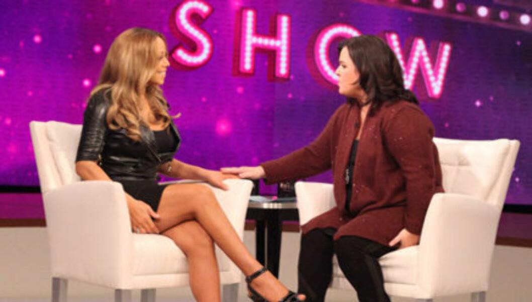 SNAKKER UT: - Den første uken gikk jeg ned over 18 kilo - av bare vann! Etter at jeg startet programmet gikk jeg ned 14 kilo i vekt,  14 kilo som jeg trengte å bli kvitt, forteller Mariah Carey i et intervju med TV-stjernen Rosie O'Donell. Foto: Oprah.com