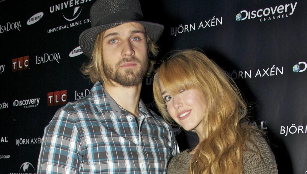 NY STIL: David Pedersen fra Idol kom til Universials fest sammen med kona Tinki Tønseth Troye. Foto: Tore Skaar/Se og Hør